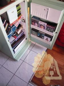 ancien-frigo-frigidaire-rénové-meuble-vert-pastel-recyclage-réutilisation-intérieur