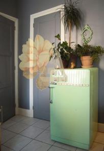 ancien-frigo-frigidaire-rénové-meuble-vert-pastel-recyclage-réutilisation