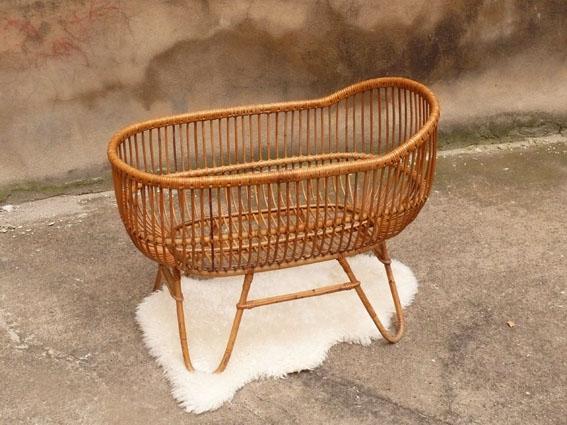 berceau couffin vintage rotin liberty adopte un meuble. Black Bedroom Furniture Sets. Home Design Ideas