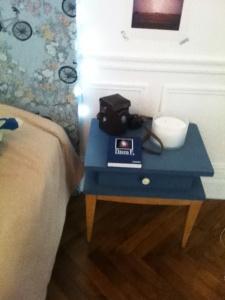 table-chevets-vintage-bleu-blanc-bois-clair-années-60