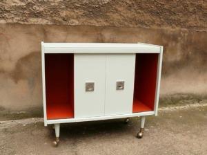 meuble-ancien-télé-salon-berlioz-rénové-jade-orange-1