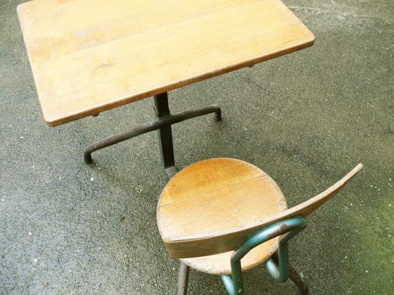 pupitre-bureau-écolier-réglable-bois-métal-Matco-style-Jean-Prouvé-rénové-chaise-