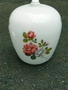 suspension-opaline-lampe-rétro-vintage-fleurs-blanche-roses-suspension