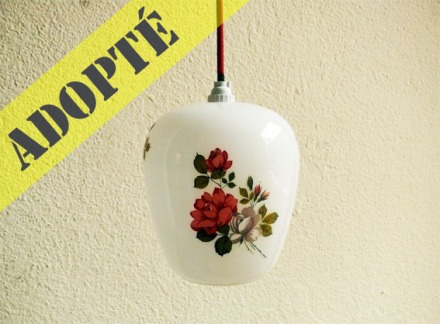suspension-opaline-vintage-50-60-lustre-cuisine-feminin-adopté