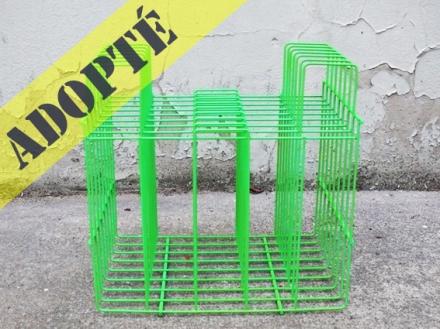 porte-vinyle-revues-vintage-ancien-repeint-vert-fluorescent-2