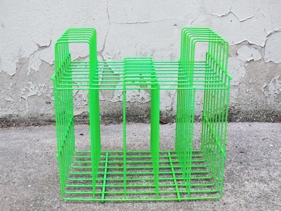 porte-vinyle-revues-vintage-ancien-repeint-vert-fluorescent