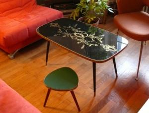 table-basse-noire-verre-motif-années-60-or-salon-vintage-formica-rectangulaire