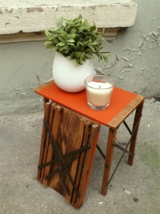 tabourets-porte-pots-plante-ancien-tablette-orange
