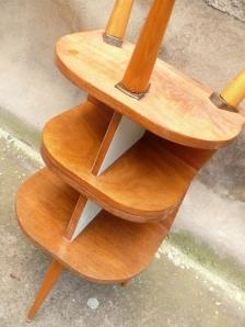 2-tables-de-chevet-vintage-année-50-pieds-compas-bois-clairs-brocante-Lyon