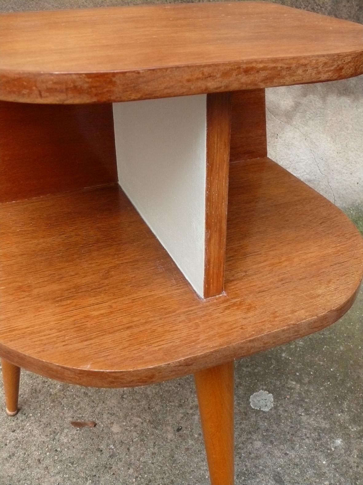 tables de chevet vintage 50 adopte un meuble. Black Bedroom Furniture Sets. Home Design Ideas