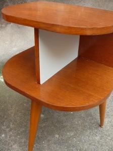 2-tables-de-chevet-vintage-année-50-pieds-compas-bois-clairs-Lyon-meubles
