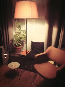 lampadaire-lampe-salon-vintage-lyon-scoubidous-fifties-ancien