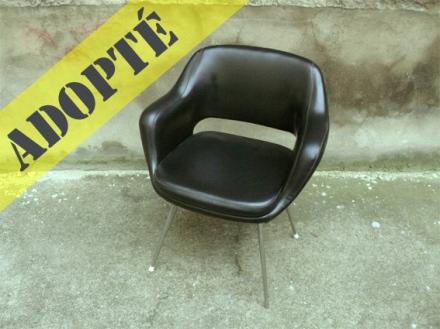 fauteuil-chaise-bureau-noir-cuir-eero-saarinen-conférence-années-50-60-vintage-adopté