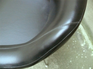 fauteuil-chaise-bureau-noir-cuir-eero-saarinen-conférence-années-60-50-vintage