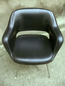 fauteuil-chaise-de-bureau-noir-cuir-eero-saarinen-conférence-années-50-60-vintage