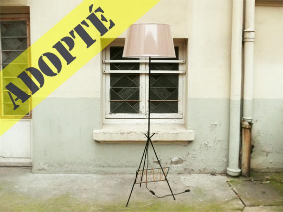 grand lampadaire fifties adopte un meuble. Black Bedroom Furniture Sets. Home Design Ideas