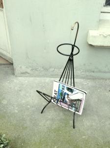 porte-revues-vintage-fifties-années-50-métal-noir-laiton-porte-plante