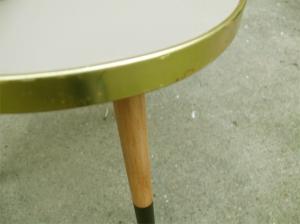 table-tripode-grise-bois-noir-vintage-porte-plantes-détail