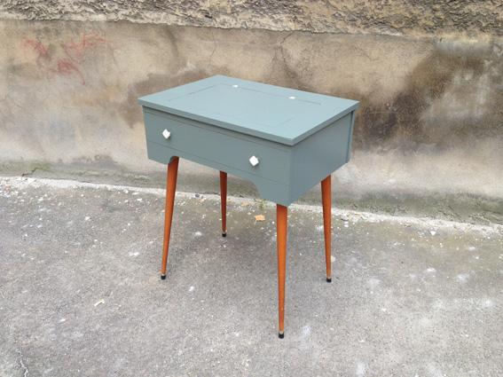 table travailleuse 50 adopte un meuble. Black Bedroom Furniture Sets. Home Design Ideas