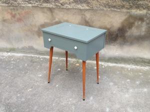 table-machine-à-coudre-rénovée-vintage-années-50