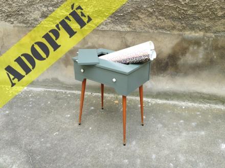 table-machine-à-coudre-rénovée-vintage