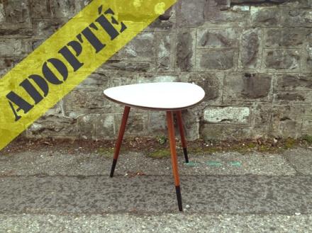table-tripode-grise-années-50-vintage-repeinte