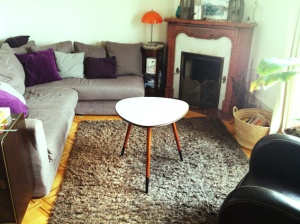 table-tripode-grise-années-50-vintage-repeinte-adopte