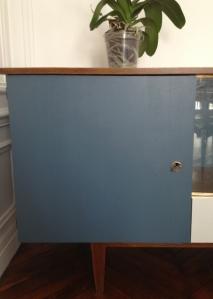 enfilade-détail-vintage-porte-bleu