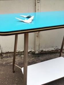 table-vintage-desserte-deux-plateaux-années-50-adopte-un-meuble-fifties