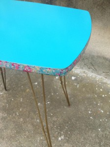 adèle-table-vintage-pieds-effel-masking-tape-liberty-turquoise
