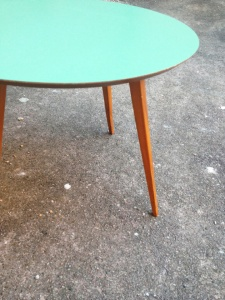 table-basse-bois-ronde-vintage-scandinave
