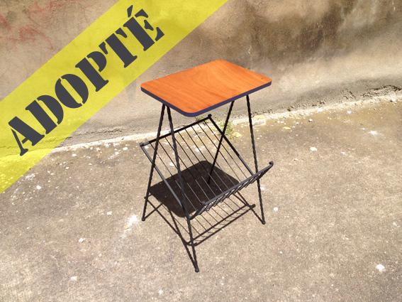 table-porte-revue-tablette-vintage-années-60-adopte