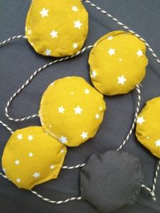 guirlande-berceau-rotin-vintage-étoiles