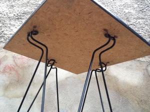 attache-pieds-table-guéridon-vintage-années-70