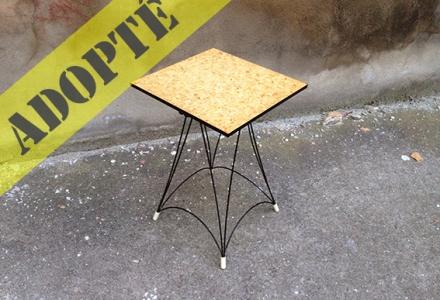guéridon-vintage-bois-tripli-rénové-adopte-un-meuble